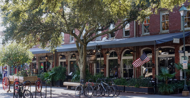 City-Market-in-Savannah-Georgia